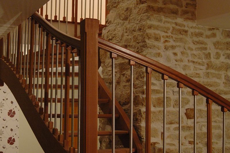 Escaleras de madera a medida en sonseca toledo for Escaleras toledo